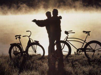 298660c-fbmature-couple-dancing-near-bicycles-co-posters